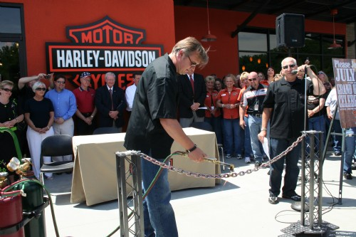 Harley Davidson chain cutting